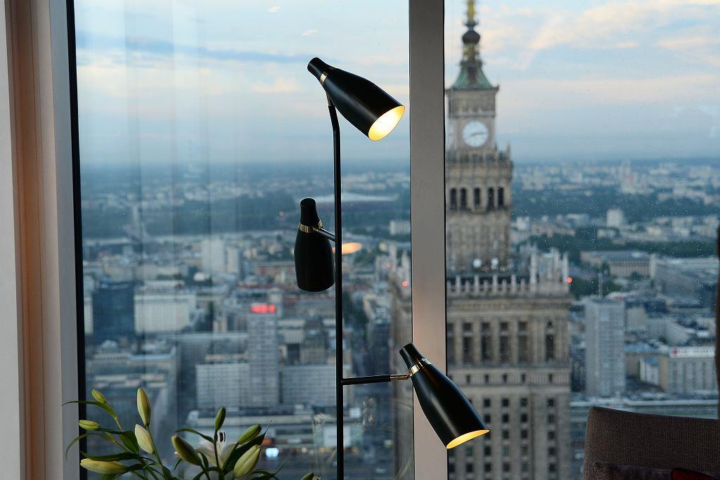 Lampy swoim światłem mają ocieplać nie tylko wnętrze, lecz także i naszą sylwetkę