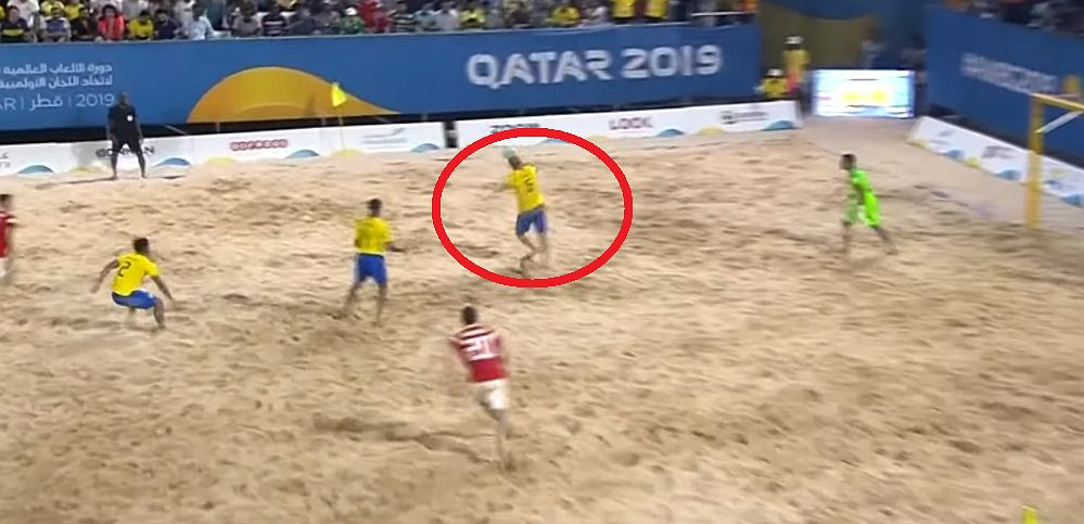 Fenomenalna bramka reprezentanta Brazylii w piłce nożnej plażowej