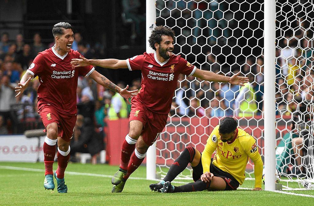 Egipcjanin Mohamed Salah cieszy się po golu dla Liverpoolu
