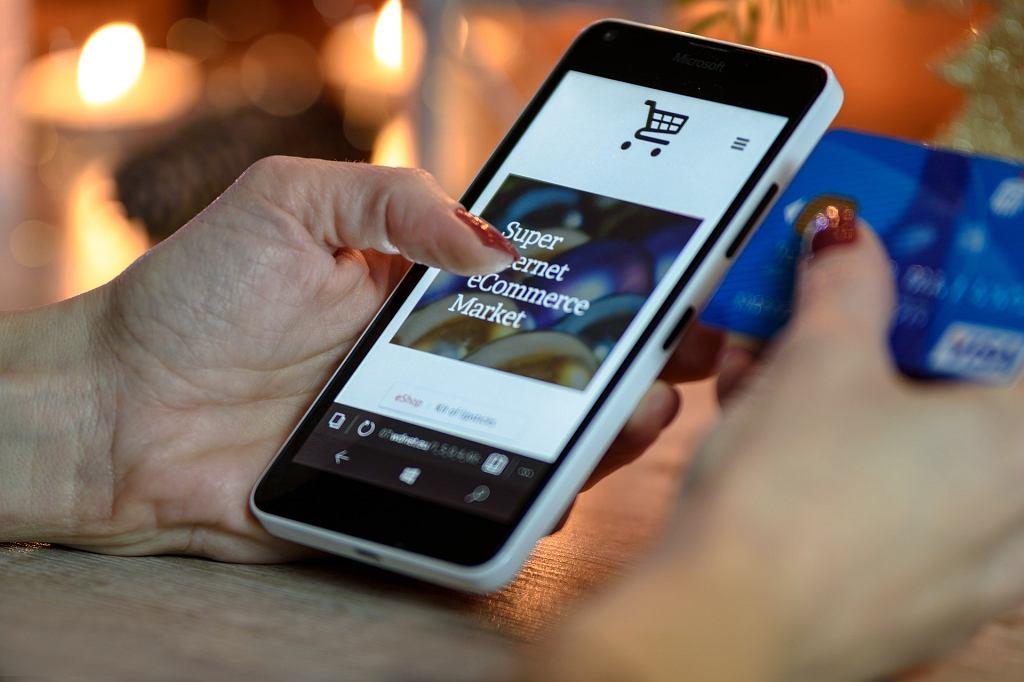 Na co uważać, robiąc zakupy przez internet?