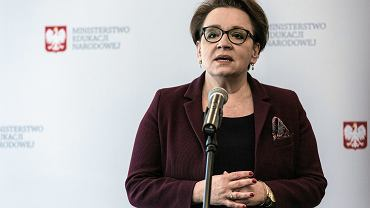 Będą podwyżki dla nauczycieli? Anna Zalewska podpisała 'Deklarację na rzecz edukacji przyszłości'