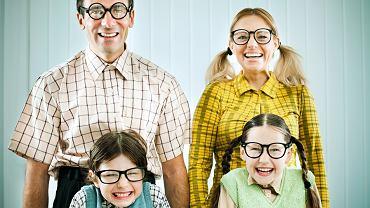 Okuliści potrafią coraz więcej w oku poprawić. Rozwinęła się też optyka. Okulary można dobrać do stylu życia