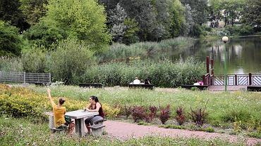 .Park Szczesliwicki i jeziorko Szczesliwickie .