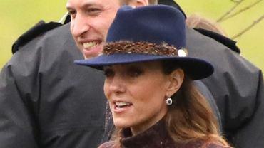 Księżna Kate pojawiła się w płaszczu ekskluzywnej marki oraz spódnicy z ZARY. Fani jak zwykle zachwyceni!
