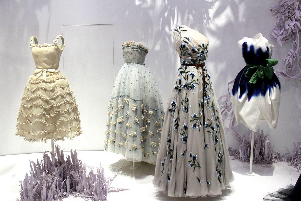 51f10d68e10f2 Wystawa Christian Dior Designer of Dreams w Londynie [RELACJA ...