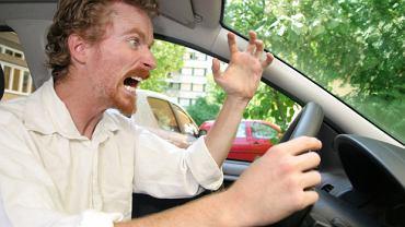 Agresja na drodze - jak sobie z nią radzić?