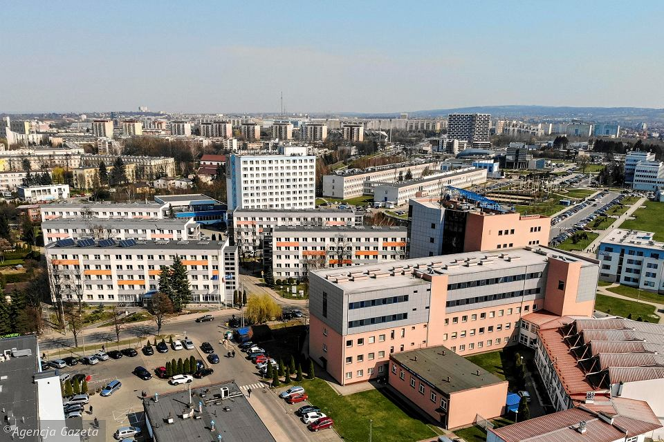 Rzeszów w czerwonej strefie. Od soboty, 17 października, wszystkie zajęcia na Politechnice Rzeszowskiej będą prowadzone zdalnie (zdjęcie ilustracyjne)