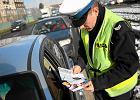 Rząd szykuje ułatwienia dla kierowców. Prawo jazdy zostanie w domu i zniknie nalepka z szyby