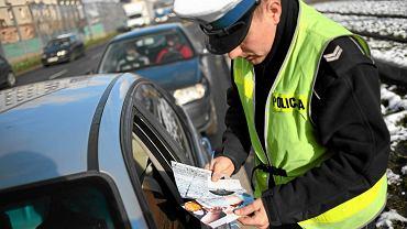 Rząd szykuje ułatwienia dla kierowców. Zniknie mandat za brak prawa jazdy