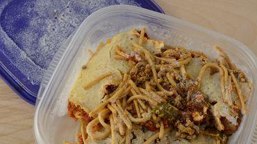 Resztki jedzenia przechowuj w pojemnikach, które są do tego przeznaczone - szukaj symbolu śnieżynki