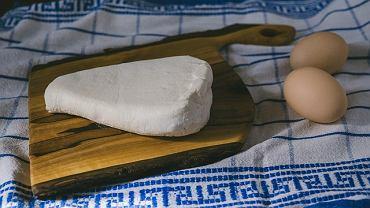 Ser biały z powiedzeniem można zamrozić