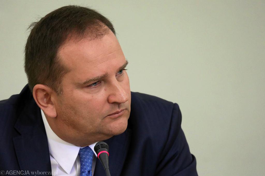 Według ujawnionego na rozprawie nagrania Tomasz Arabski nie czytał instrukcji HEAD przed organizacją lotu do Smoleńska