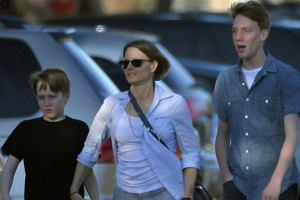 Jodie Foster, synowie.