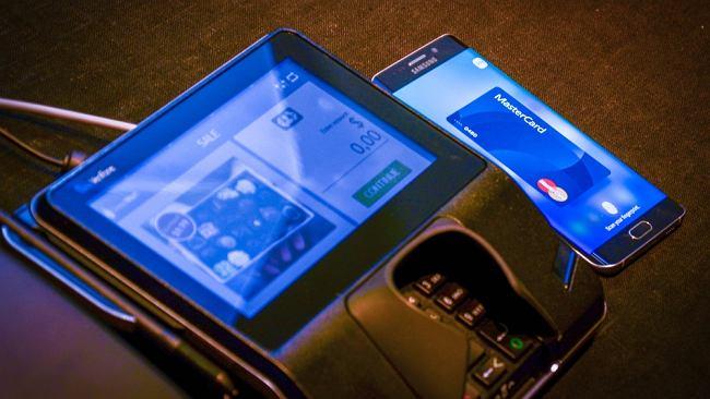 Rusza Samsung Pay - kolejny gigant próbuje namówić nas na płatności mobilne