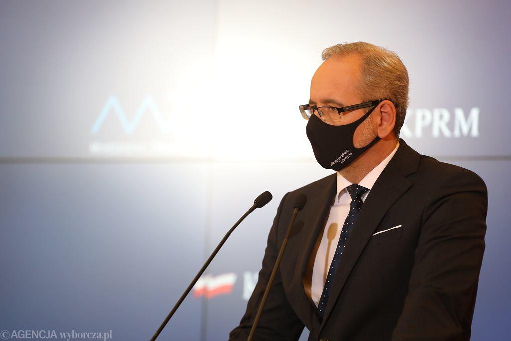 Minister zdrowia Adam Niedzielski. Rząd zmienia kryteria luzowania restrykcji