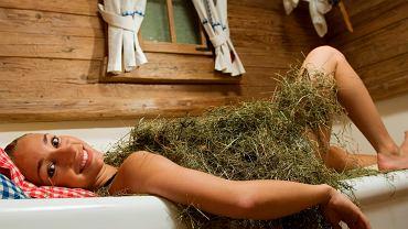 Kąpiel w sianie