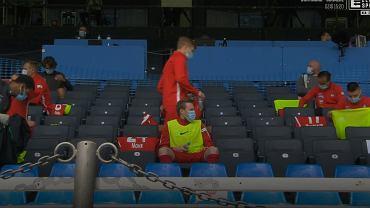 Piłkarze na 'ławce rezerwowych'