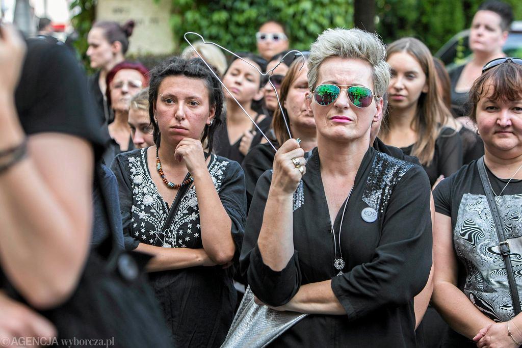 #CzarnyProtest w Rzeszowie, 01.10.2016 r. (fot. Grzegorz Bukała/AG)