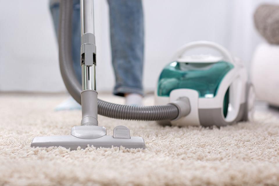 Sprzątanie domu wymaga dużej pracy