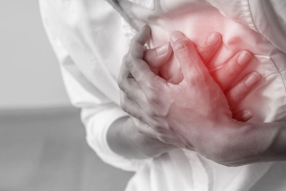 Kołatanie serca może mieć wiele przyczyn.