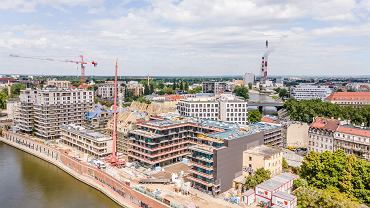 Bulwar powstanie wzdłuż Odry oraz inwestycji deweloperów realizowanych przy ul. Księcia Witolda. To nowe i rewitalizowane budynki