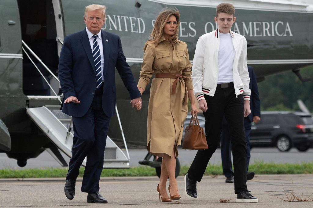 Rodzina Trumpów w w drodze do Waszyngtonu