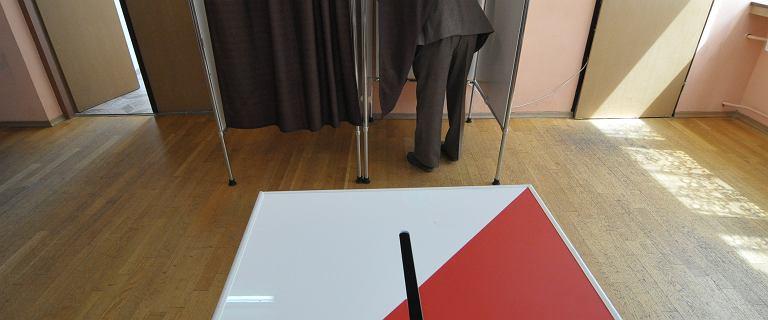 PKW wylosowała numery list wyborczych. PiS pójdzie do wyborów z