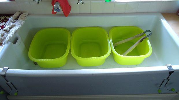 Duża umywalka w pralni