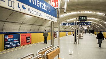 Winda na stacji metra Wierzbno nie działa od dwóch miesięcy