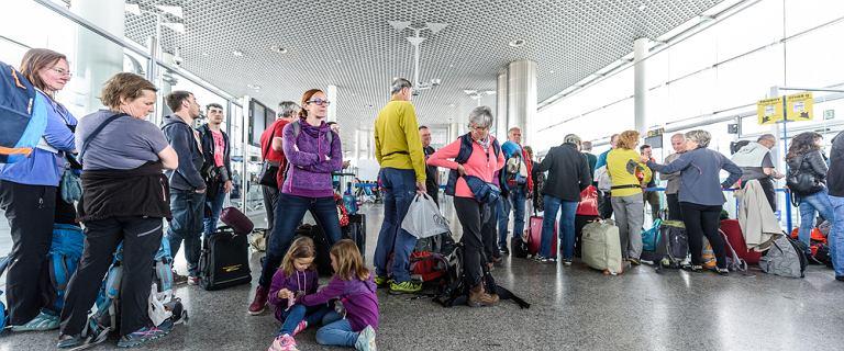 Ryanair dwukrotnie odleciał bez pasażerów. Chaos na lotniskach