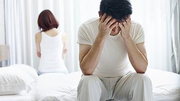 Jeżeli dyspareunia wywołana jest przez stany psychologiczne, powinno się skorzystać z pomocy seksuologa lub psychologa, który pomoże poradzić sobie z problemem