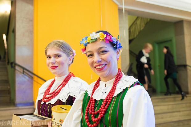 Zdjęcie numer 0 w galerii - Jubileuszowy koncert Ziemi Bydgoskiej. Folklor w filharmonii