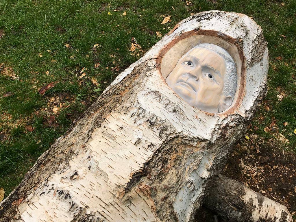 Rzeźba Lecha Kaczyńskiego autorstwa Pawła Althamera