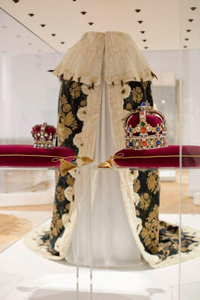 / Płaszcz koronacyjny króla Augusta III Wettyna BARTOSZ BAJERSKI