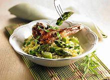 Risotto szparagowe z kotlecikami jagnięcymi - ugotuj