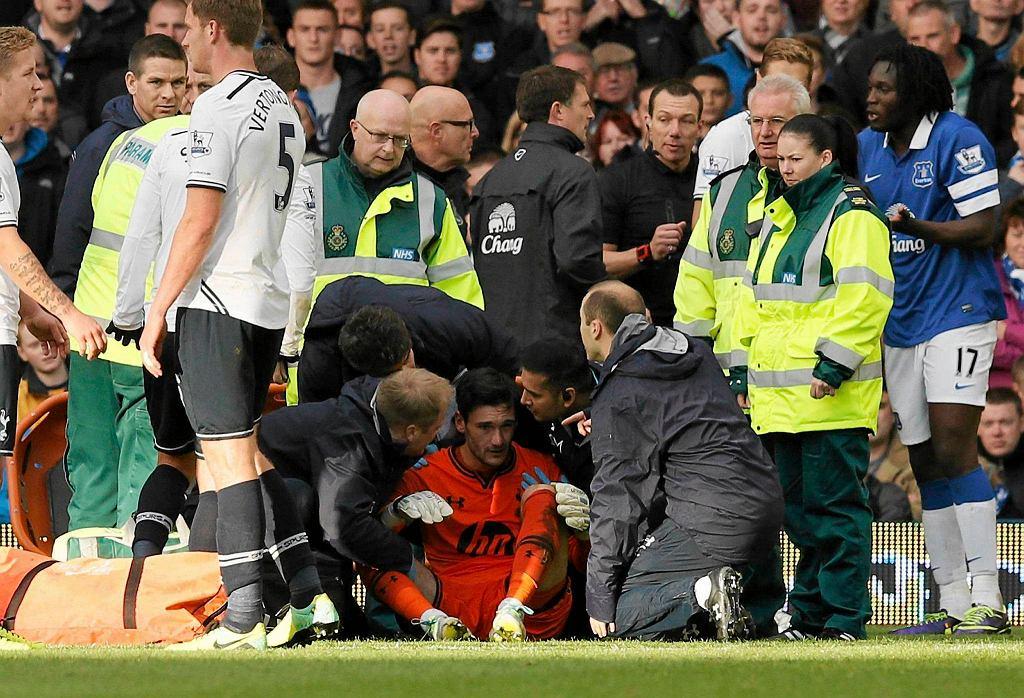 Hugo Lloris po zderzeniu z Romelu Lukaku w meczu Everton - Tottenham