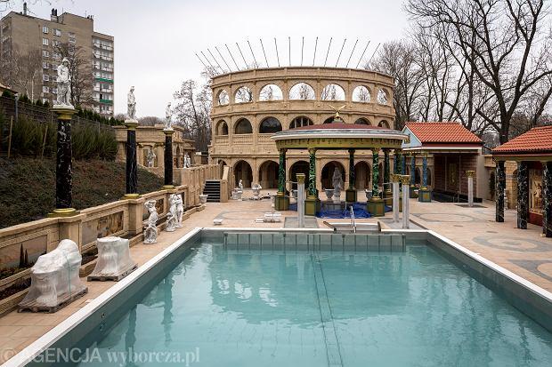 Największa sauna na świecie jest w Polsce. Ocieka złotem i przypomina termy rzymskie