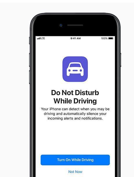 Apple ma blokować niektóre aplikacje podczas prowadzenia samochodu