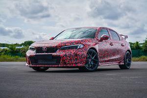 Nowa Honda Civic Type R oficjalnie potwierdzona. Na razie zaprezentowana w kamuflażu