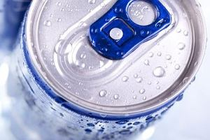 """Dlaczego wódka z """"energetykiem"""" to zły pomysł?"""