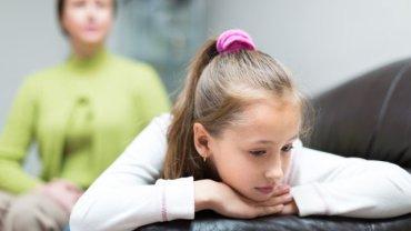 Jeden z rodziców jest uzależniony? Warto rozmawiać o tym z dzieckiem