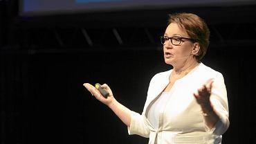 Minister edukacji narodowej Anna Zalewska ogłasza plany zmian w polskiej szkole podczas edukacyjnego show. Toruń, 27 czerwca 2016 r.