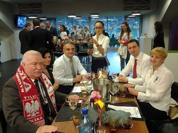 Lech Wałęsa robi zdjęcia podczas meczów i publikuje je na swoim blogu