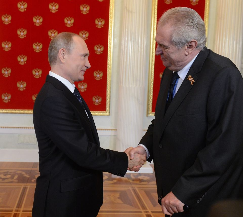 Prezydent Władimir Putin podczas spotkania z prezydentem Czech Milošem Zemanem, 9 maja 2015, Moskwa.