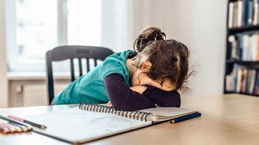 Jak byli uczniowie wspominają prace domowe po latach?