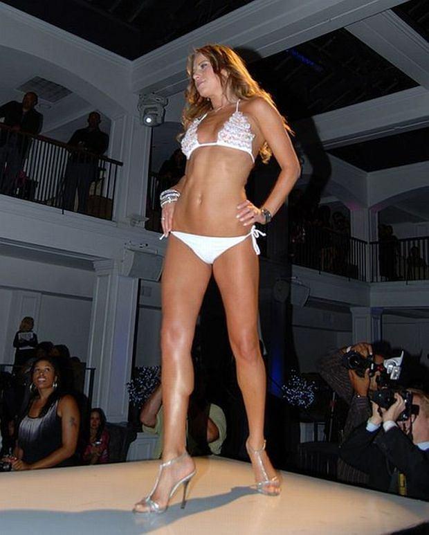 "09/10/2010 - Edyta Sliwinska - 2010 Celebrity Catwalk Fashion Show at Boulevard 3 Nightclub - Boulevard 3 Nightclub - Hollywood, CA, USA - Keywords: ""Dancing with the Stars"" - 0 - Photo Credit: Amanda Meredith / PR Photos - Contact (1-866-551-7827)"