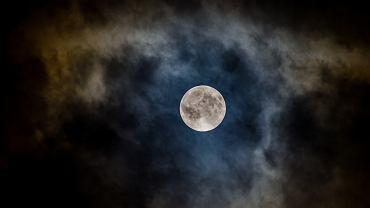 Pełnia Wilczego Księżyca 2021