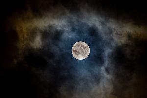 Pełnia Wilczego Księżyca 2021. Zobacz, kiedy będzie można podziwiać to wyjątkowe zjawisko