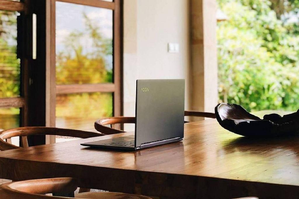 Laptop do 2000 złotych. Czy da się kupić dobry model w tej cenie? Przegląd rynku