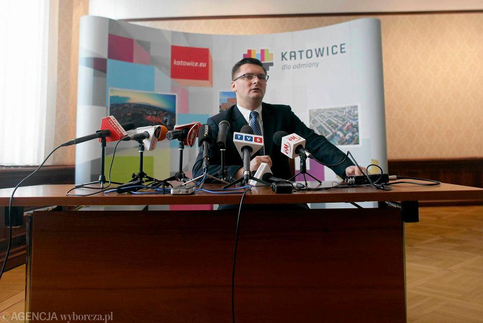 Marcin Krupa podczas konferencji na temat tramwaju na południe Katowic